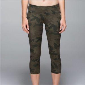 LULULEMON wunder under camo crop leggings